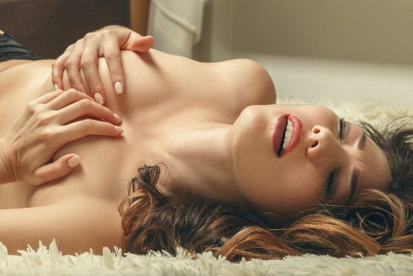 sex s mámou xxx